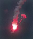 Nødrakett m/fallskjerm